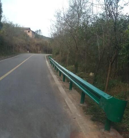 波形护栏公路防撞栏